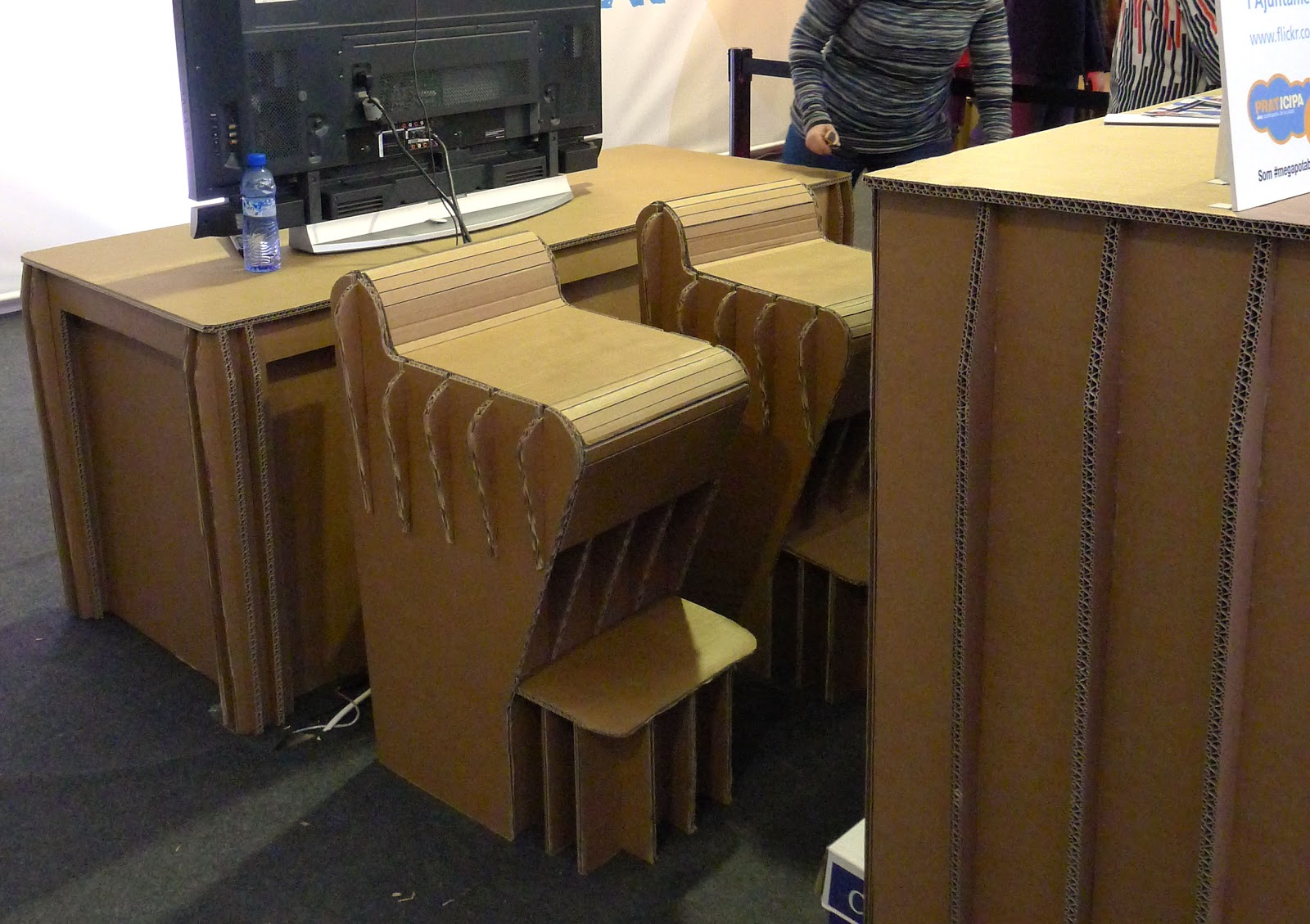Dise a y crea tus muebles con cart n cadaver exquisit for Muebles de carton precios