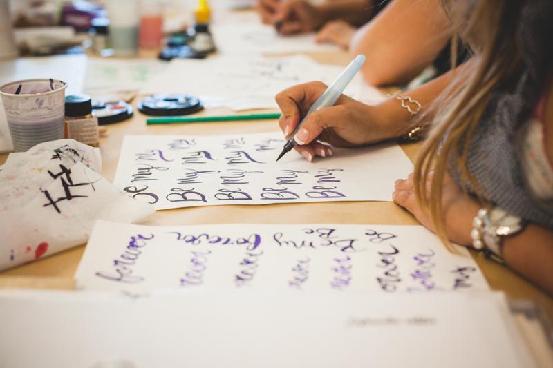 curso caligrafia con pincel con cristina martin pardo en cadaver exquisit