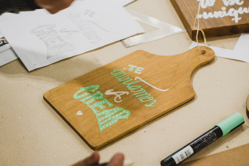 Taller de Wood Lettering con Esencia Grafica en Cadaver Exquisit