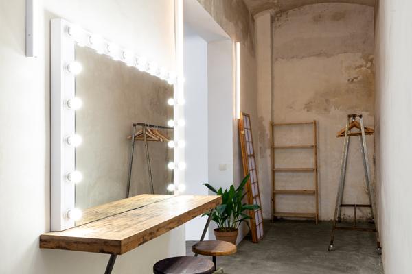 Alquiler estudio fotográfico en Barcelona Zona Makeup Cadaver Exquisit